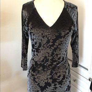 Dresses & Skirts - Navy blue velvet dress